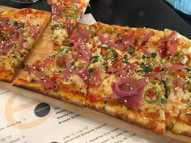 Nola Meril flatbread