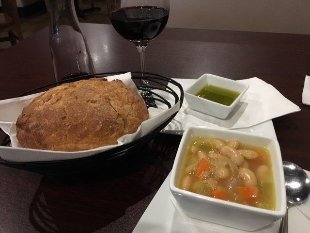 Nonno soup and bread