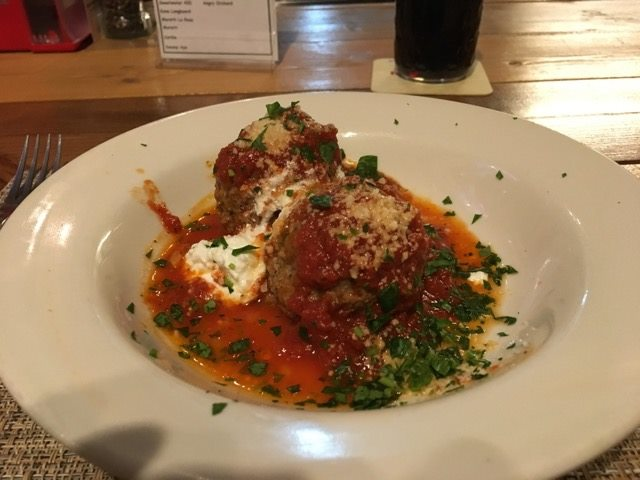 Peppinos meatballs
