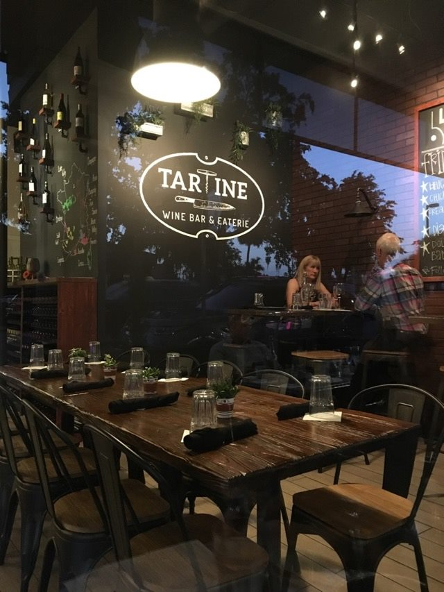 Tartine sign