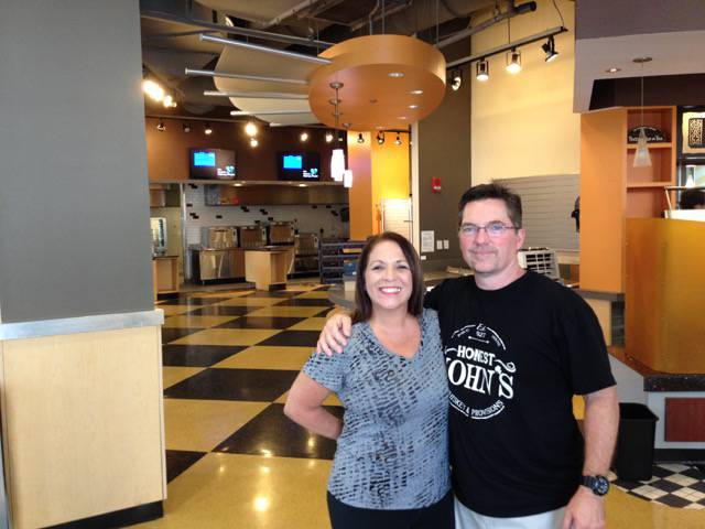 Wahlburgers Mike and Gina