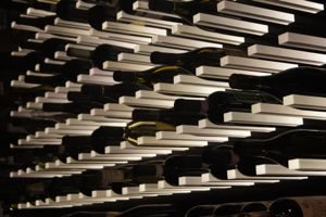 table_wine_rack